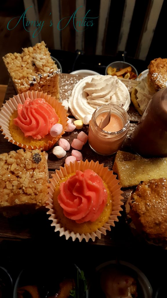 Afternoon tea- cupcake and meringue