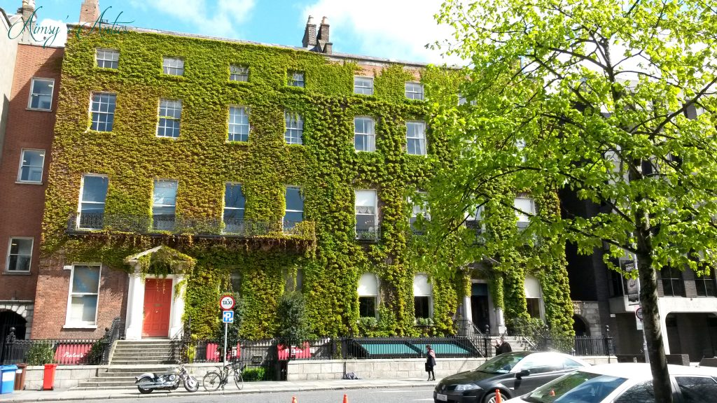 Ivy covered house on Dawson Street, Dublin